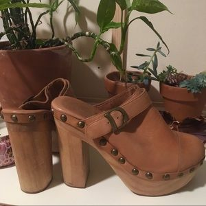 Jeffrey Campbell Clogs Woodies